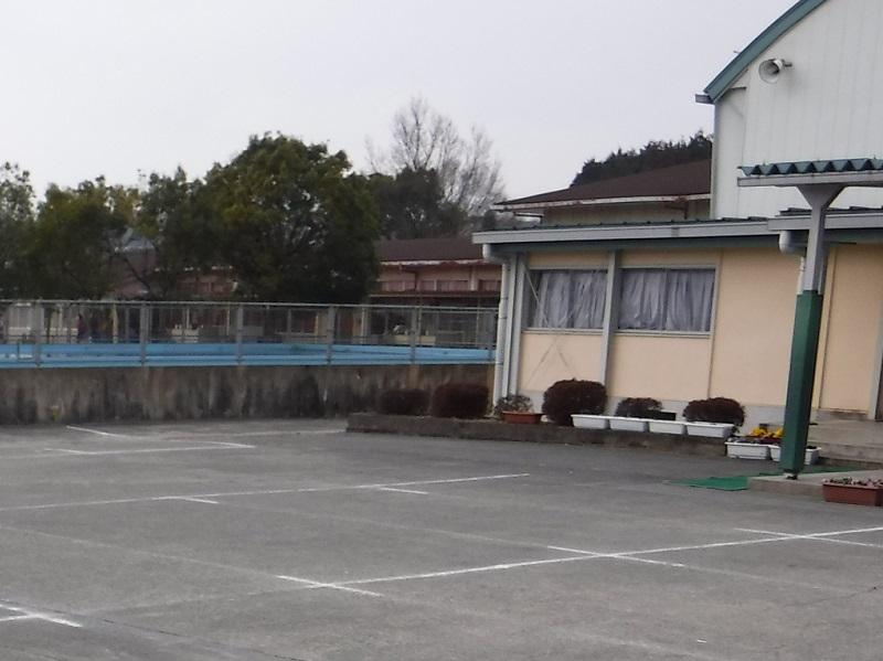 福知山市:下六人部小学校屋外便所新築工事